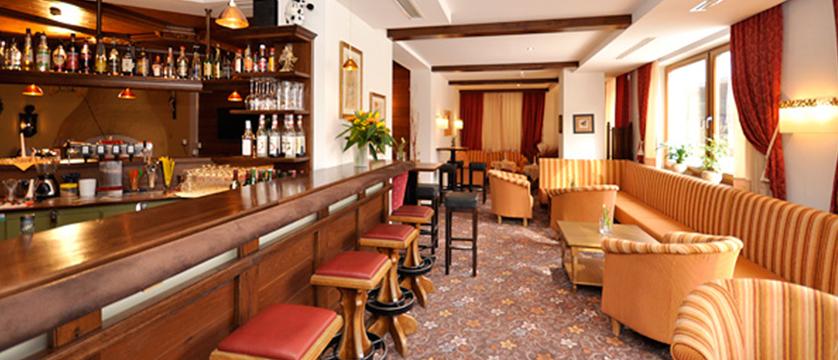 Hotel Alphof, Alpebach, Austria - bar.jpg